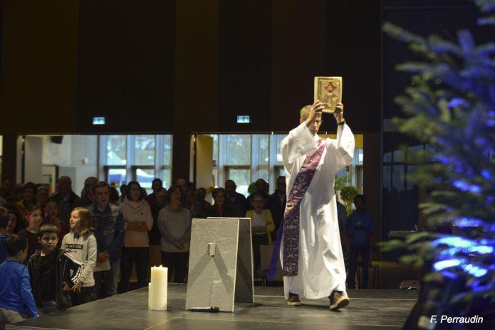 Réunion des paroisses et liturgie